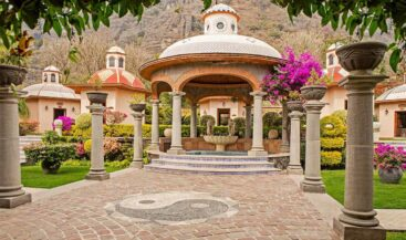 Join us in Mexico for an Om & Ah RETREAT!